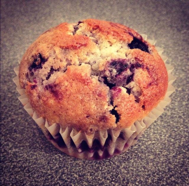 Muffins myrtilles et pépites de chocolat blanc