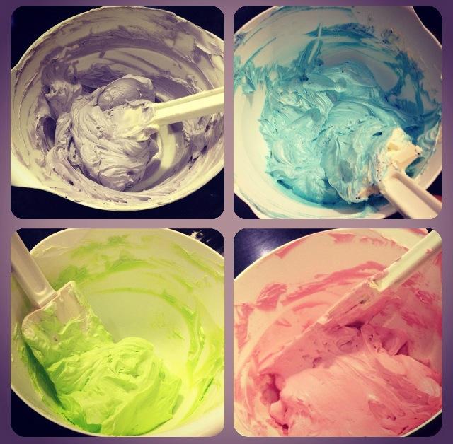 Glaçages avec différents colorants