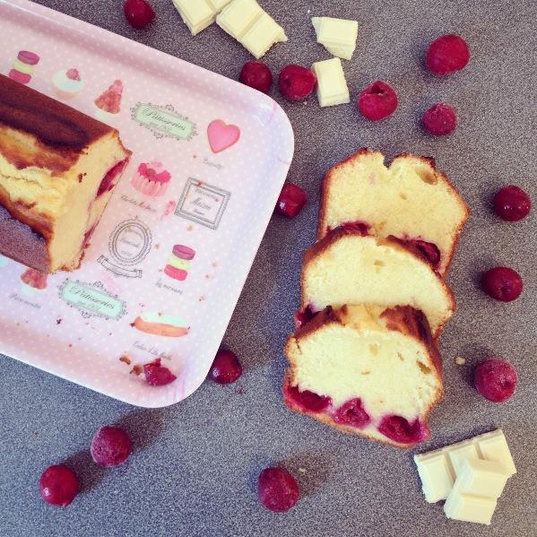 Cake cerises-chocolat blanc