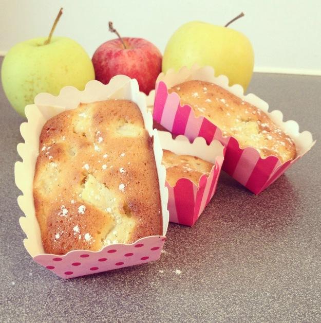 Minis cakes pomme et chocolat blanc