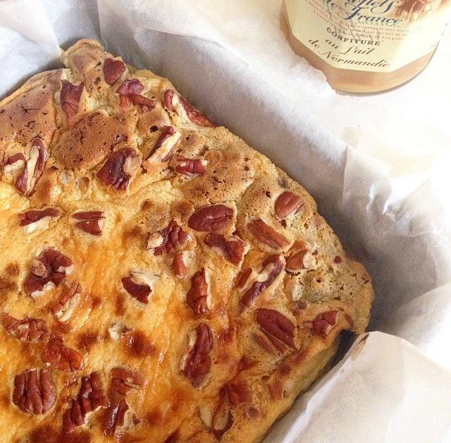 Brownie marbré mascarpone, confiture de lait et noix de pécans