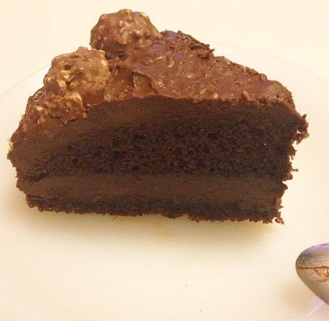 Gâteau aux Ferrero rocher et Nutella