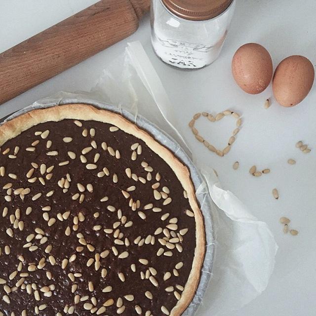 Tarte au chocolat aux pignons