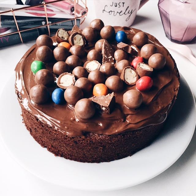 Gâteau au chocolat et nappage Nutella